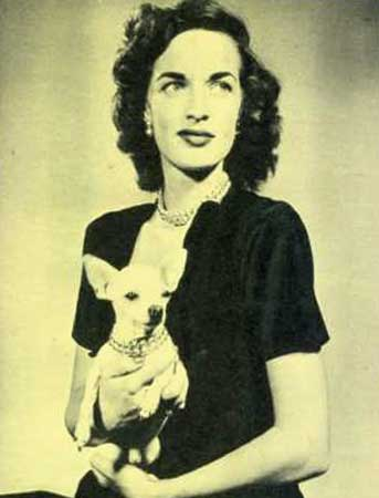 Vintage from 1947 newspaper clipping. She and her chihuahuangnecklaces